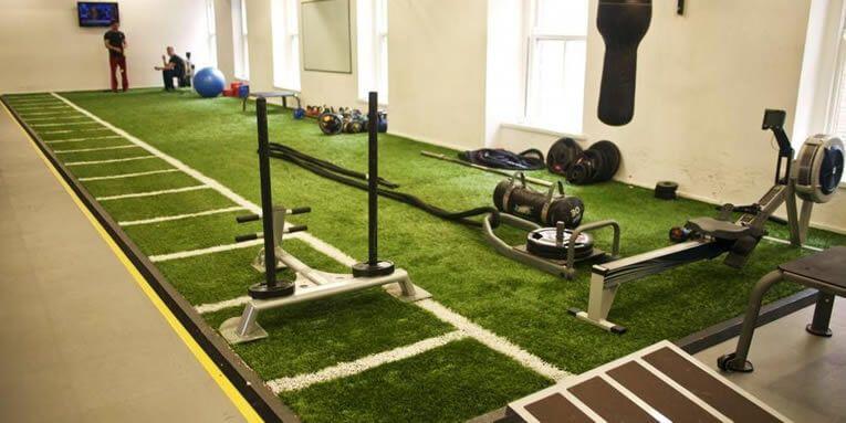 Cesped artificial para el interior de un gimnasio