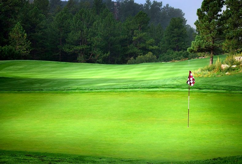 cesped-artificial-deportivo-golf