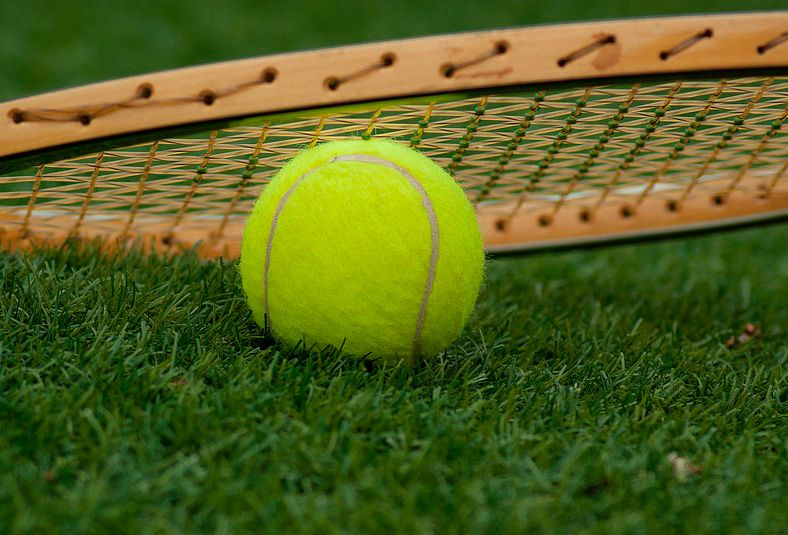 cesped-artificial-deportivo-tenis