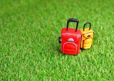 Vacaciones en casa: prepárate para un verano inolvidable con tu jardín de césped artificial